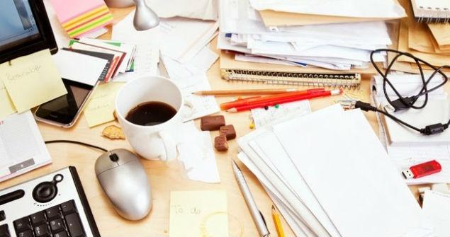 declutter-your-desk.jpg