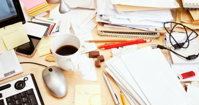 declutter-your-desk.jpg