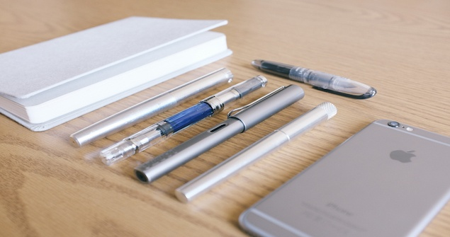 stationery-in-colors-aluminum-3